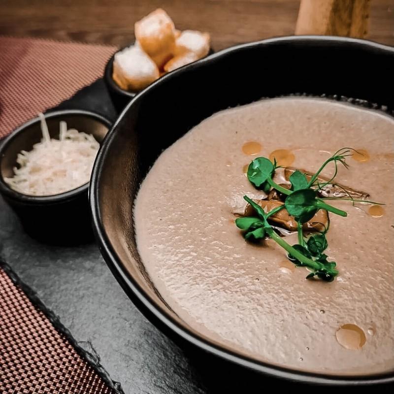 Крем-суп сырный с кальмаром