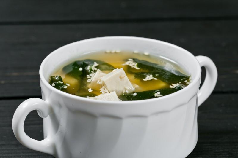 Классический мисо с водорослями и тофу