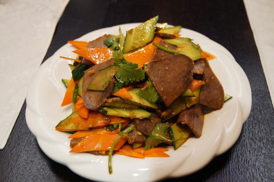 Салат из говядины под соевым соусом
