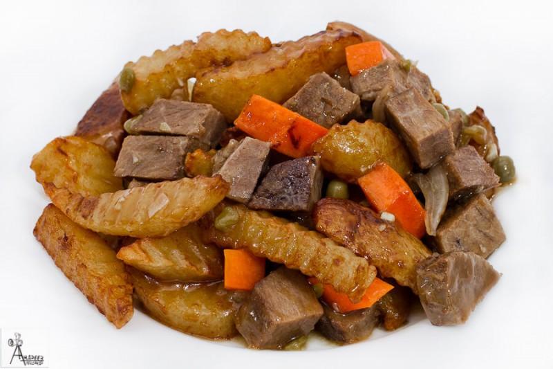 Картофель с говядиной