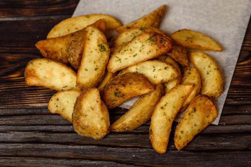 Картофель фри дольками со специями