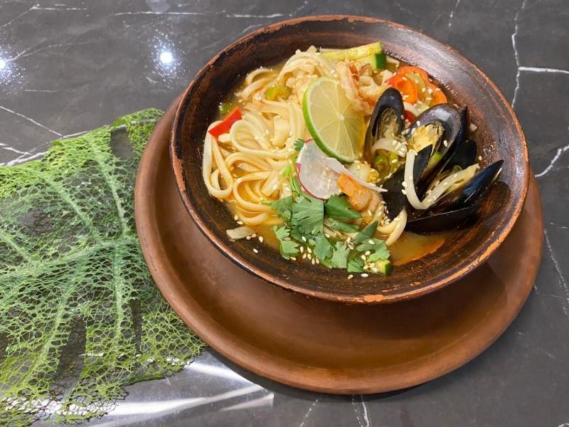 Суп-удон с морепродуктами