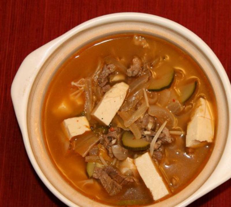 Суп с говядиной и тофу