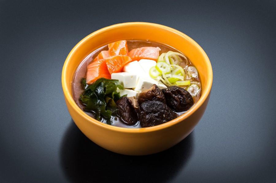 Мисо суп с лососем.